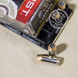 Picture of 40 S&W FEDERAL PREMIUM 180 GRAIN HST JHP (20 ROUNDS)