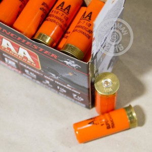 """Picture of 12 GAUGE WINCHESTER AA ORANGE TRAACKER 2 3/4"""" 1 1/8 OZ. #7.5 SHOT (25 ROUNDS)"""