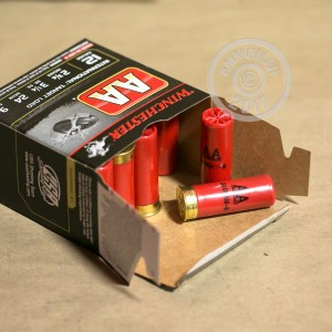 """Picture of 12 GAUGE WINCHESTER AA INTERNATIONAL TARGET 2-3/4"""" 7/8 OZ. #9 SHOT (25 ROUNDS)"""