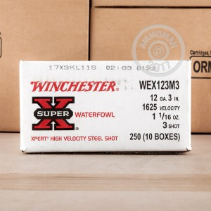 "Picture of 12 GAUGE WINCHESTER SUPER-X WATERFOWL 3"" 1-1/16 OZ. #3 SHOT (25 ROUNDS)"