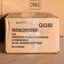 44 MAGNUM WINCHESTER USA 240 GRAIN JACKETED SOFT POINT (500 ROUNDS)