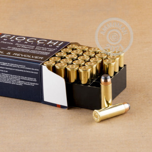 Image of 44 Remington Magnum ammo by Fiocchi that's ideal for big game hunting, home protection, hunting wild pigs, whitetail hunting.