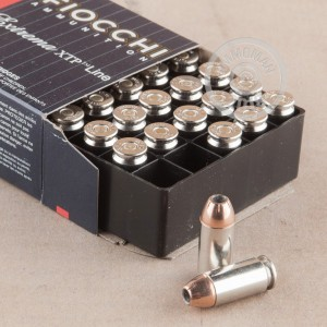 A photograph of 25 rounds of 155 grain .40 Smith & Wesson ammo with a JHP bullet for sale.