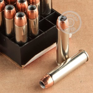 Image of 460 Smith & Wesson ammo by Federal that's ideal for big game hunting, hunting wild pigs, whitetail hunting.
