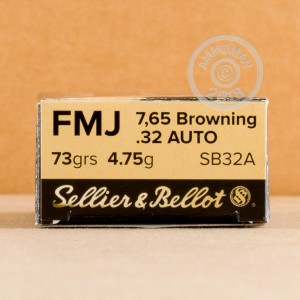 An image of .32 ACP ammo made by Sellier & Bellot at AmmoMan.com.