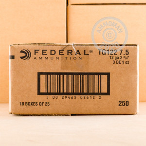 Photograph of Federal 12 Gauge #7.5 shot for sale at AmmoMan.com