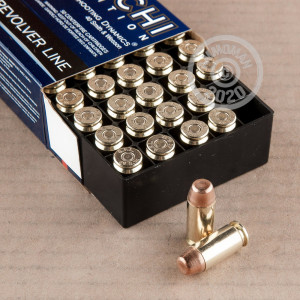 An image of .40 Smith & Wesson ammo made by Fiocchi at AmmoMan.com.