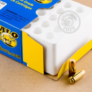 A photograph of 20 rounds of 180 grain .40 Smith & Wesson ammo with a FMJ bullet for sale.